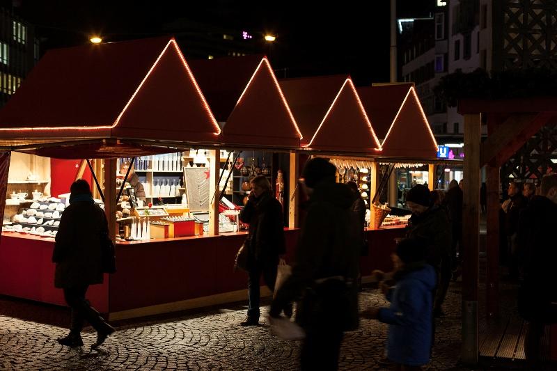 Start Weihnachtsmarkt.Start Weihnachtsmarkt Und Weihnachtslose Radio Bielefeld